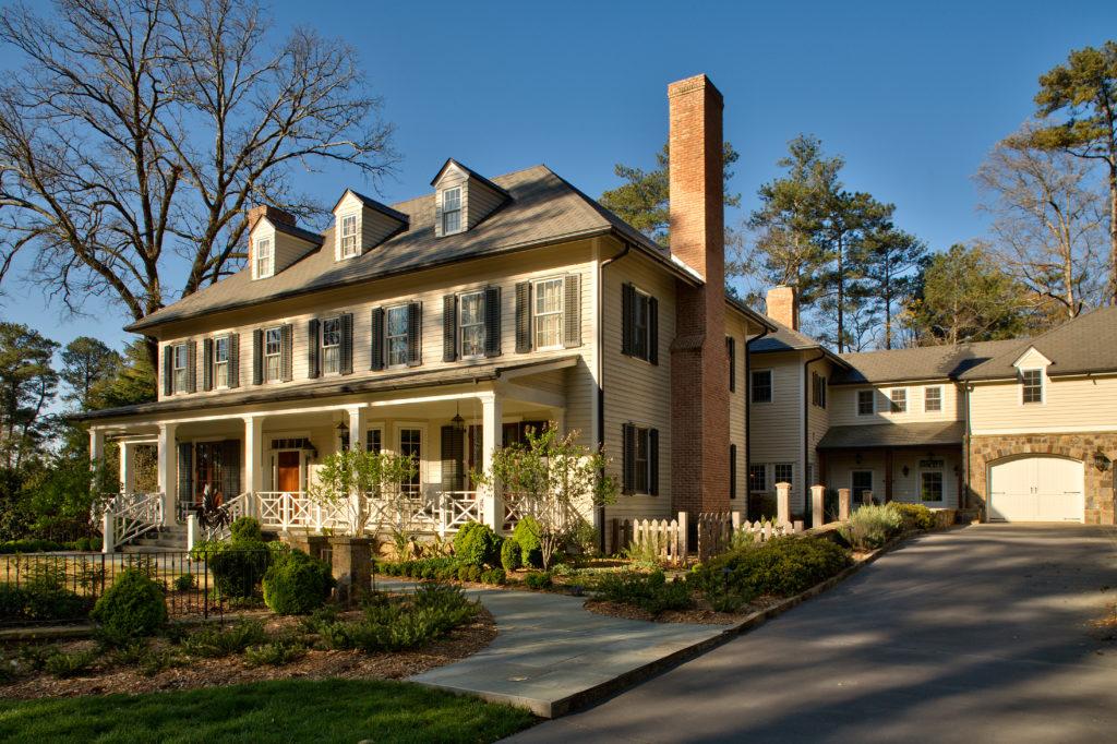 Brookhaven Residence by Jones Pierce Architects
